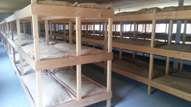 Slaapzaal in de barak