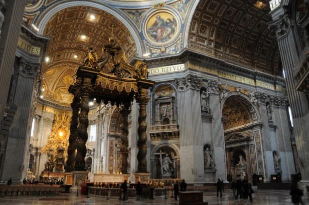 binnenkant Sint Pieter Rome