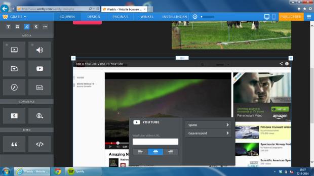 Vanaf de linkerkant sleep je het Youtube icoontje naar je pagina op de plek waar je het hebben wilt.  Pas dan de url aan van het filmpje wat je op je site wilt.