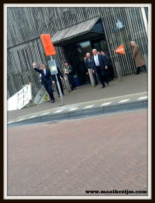 Koning Willem Alexander brengt een bezoek aan Kaap Skil in Oudeschild op Texel Foto: Kim Driesse en Babet de Vries